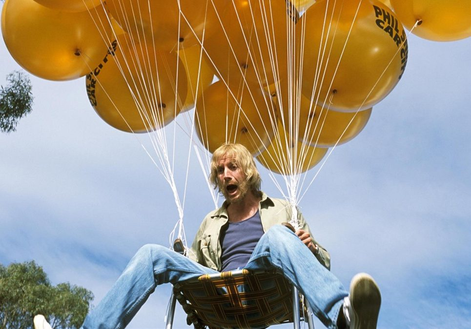 rhys-ifans-in-danny-deckchair-(2003)